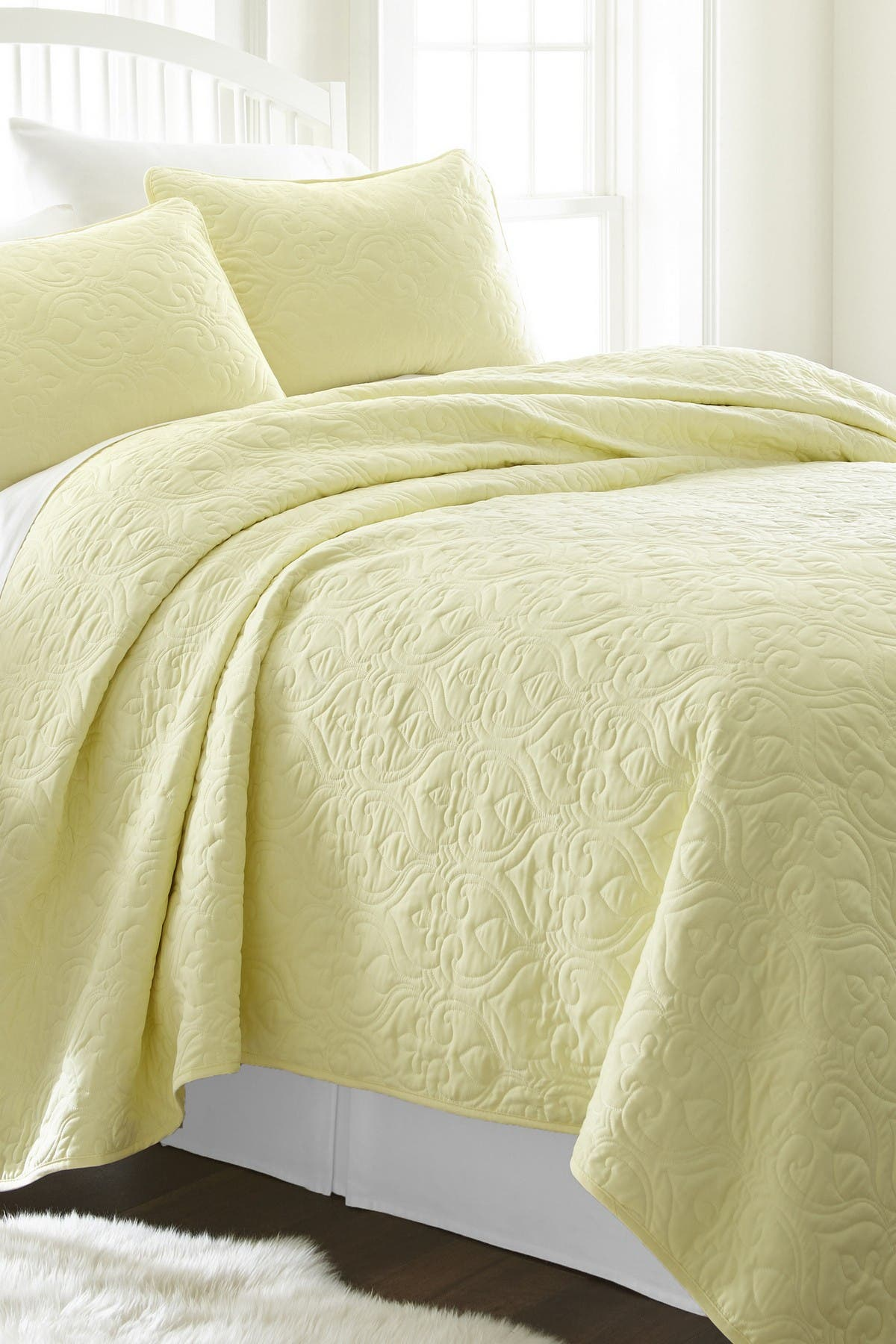 Image of IENJOY HOME Home Spun Premium Ultra Soft Damask Pattern Quilted Twin Coverlet Set - Yellow