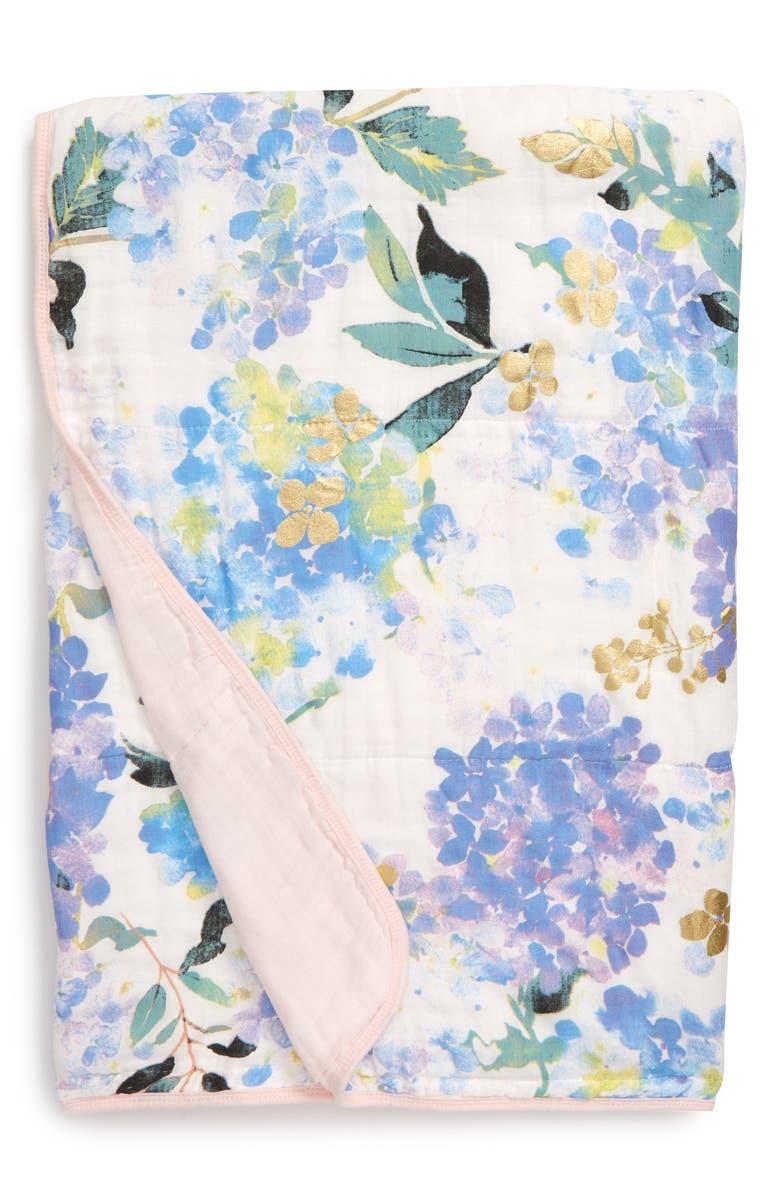 LOULOU LOLLIPOP Hydrangea Deluxe Muslin Quilt, Main, color, HYDRANGEA