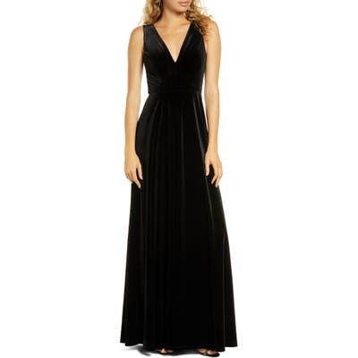 Lulus Besame Beautiful Night V-Neck Velvet Gown, Black