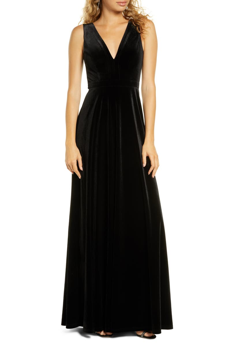 LULUS Besame Beautiful Night V-Neck Velvet Gown, Main, color, BLACK