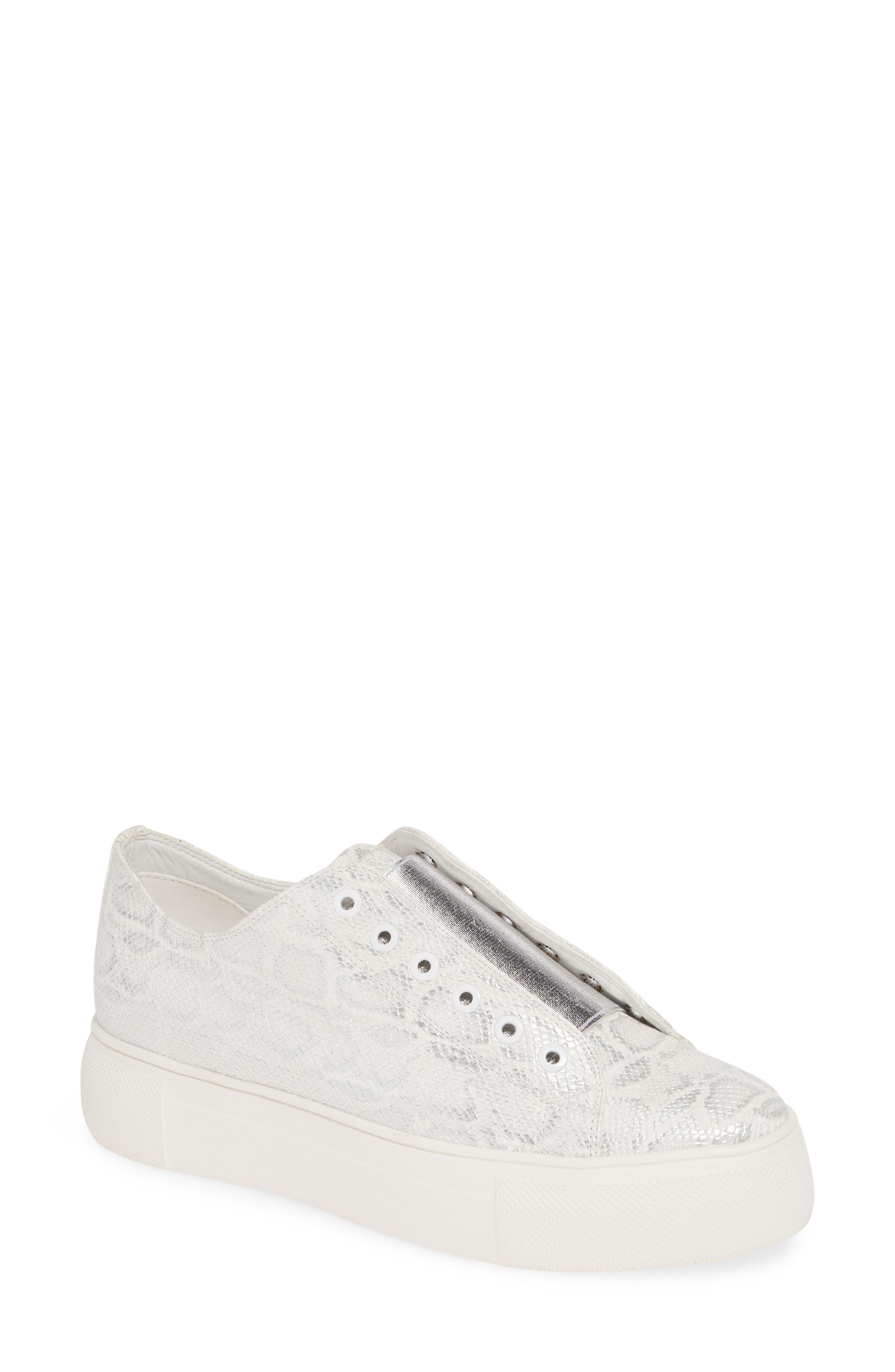 Very Volatile True Sneaker- White