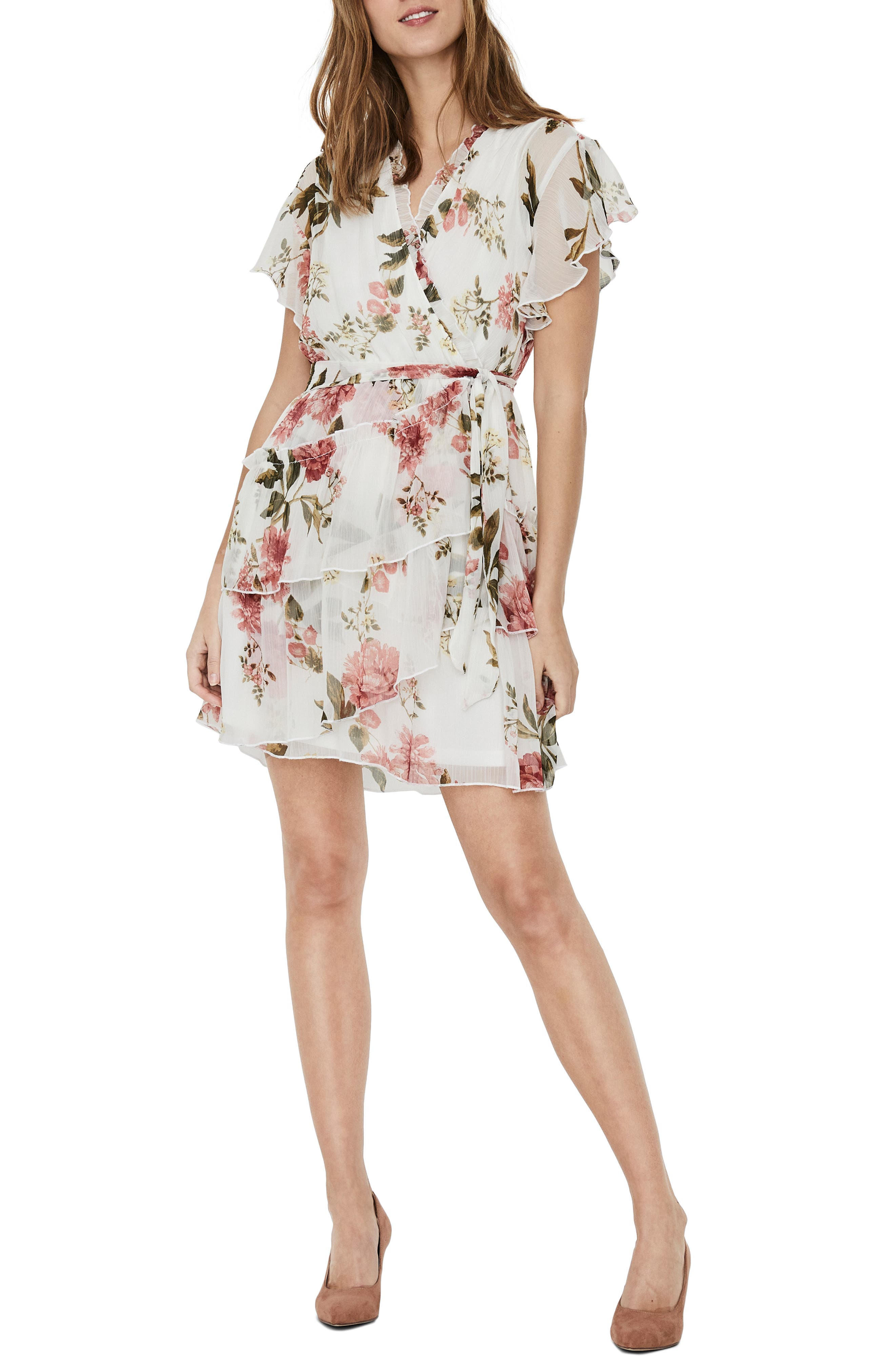 Image of VERO MODA Lucca Short Sleeve Floral Print Dress
