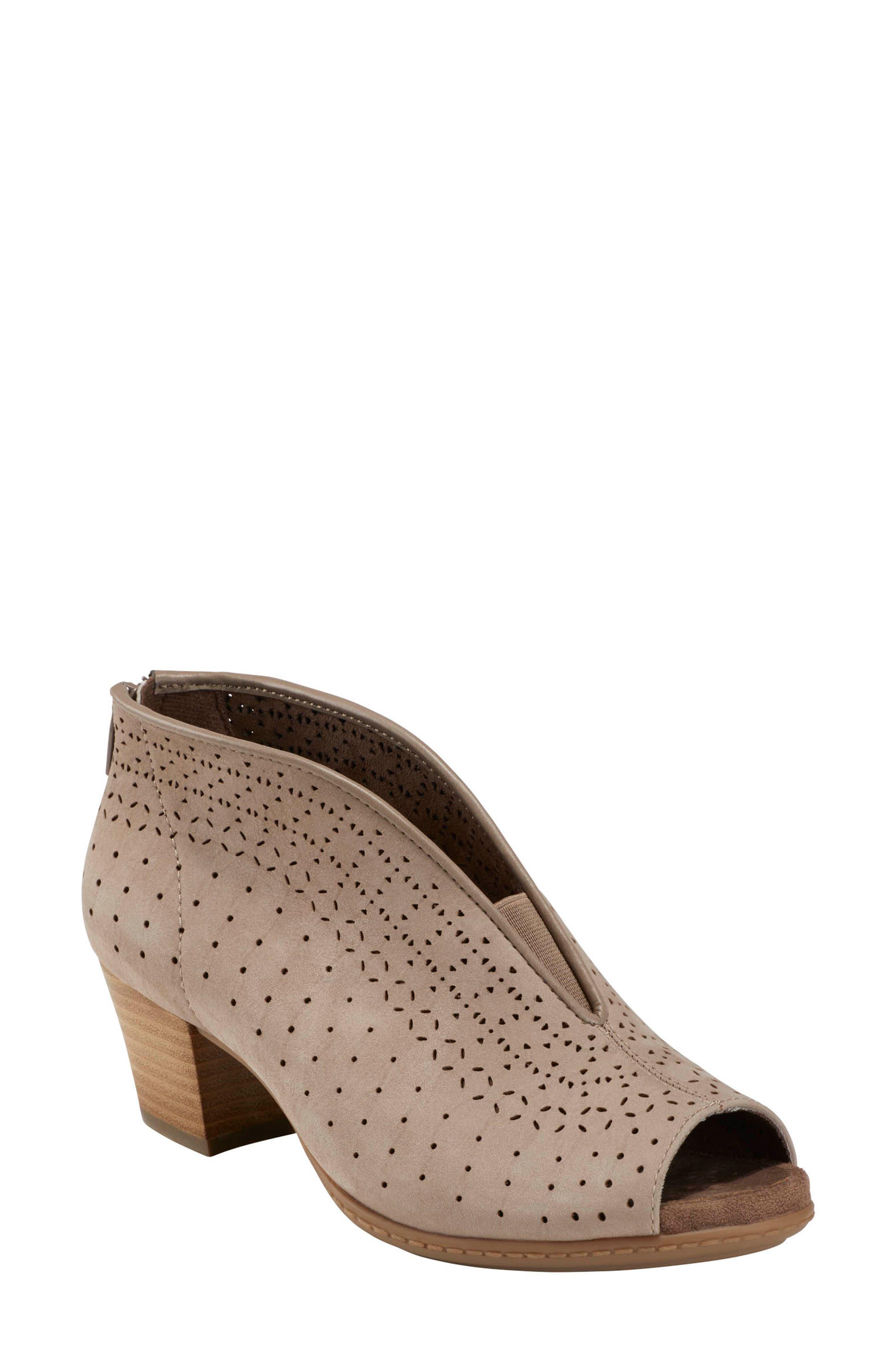 Earth® Calgery Quebec Sandal (Women)