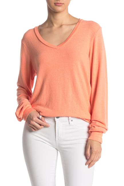 Image of WILDFOX Baggy Beach V-Neck Top