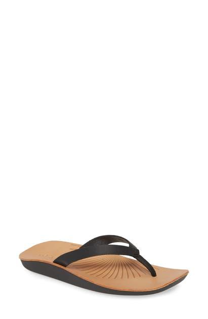 Olukai Iwi Flip Flop In Black Leather