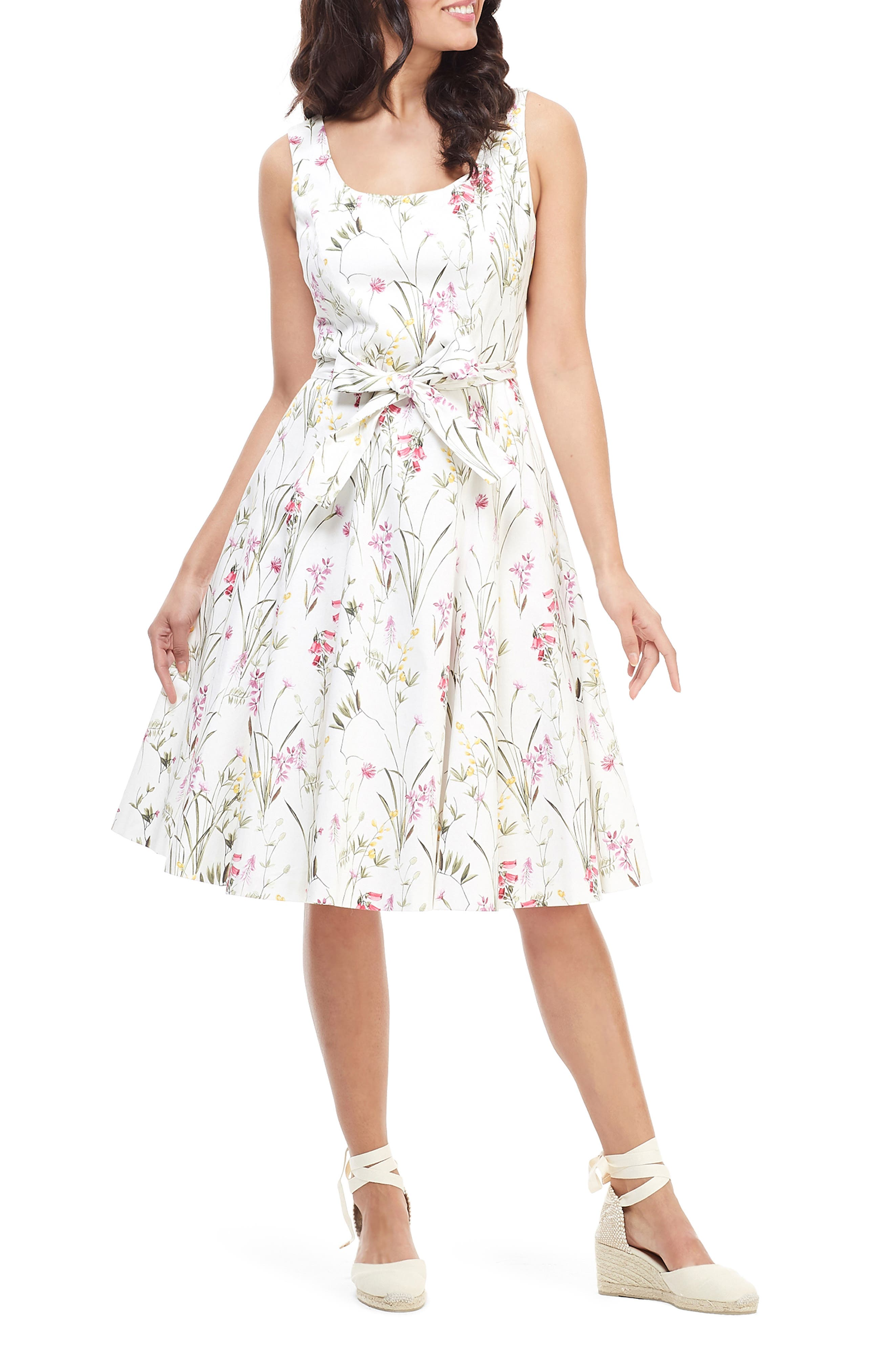 Gal Meets Glam Collection Floral Petal Fit & Flare Stretch Cotton Dress, White