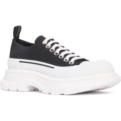 Alexander Mcqueen Trek Low Top Sneaker - Black