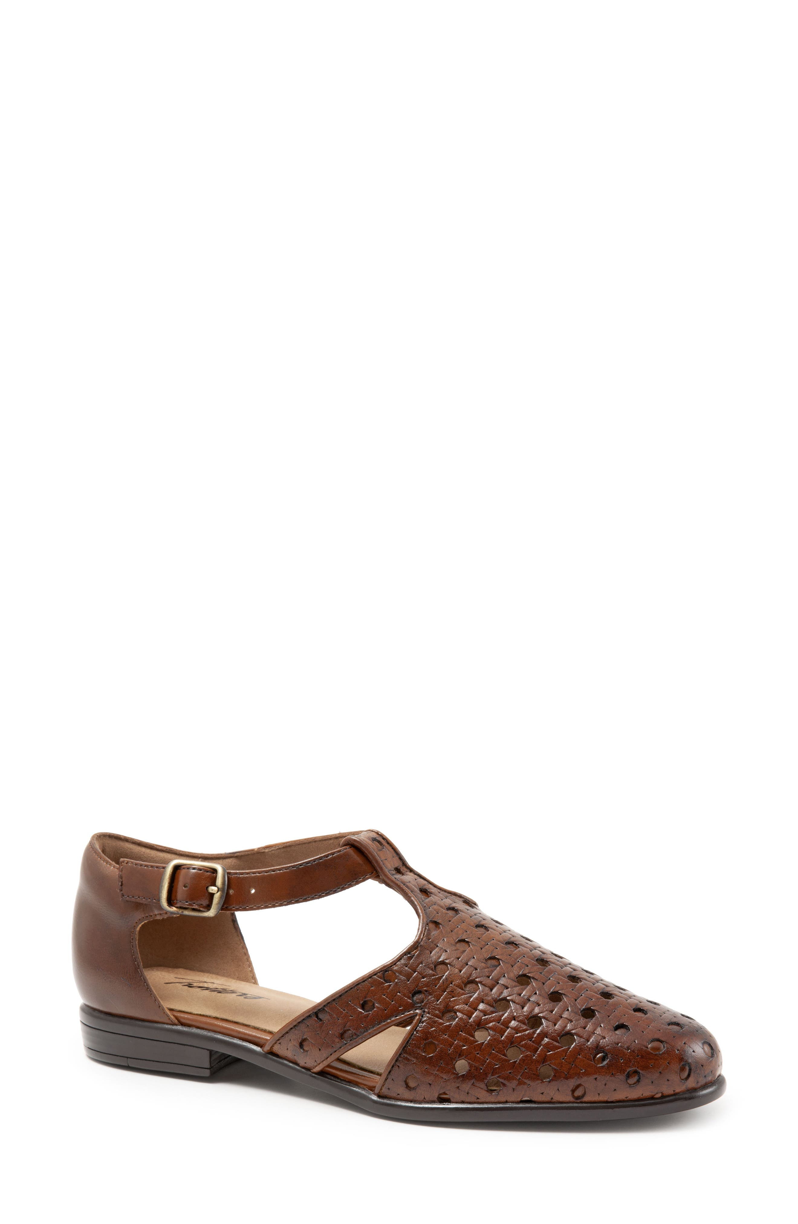 Trotters Leatha Open Weave Skimmer Flat, Brown