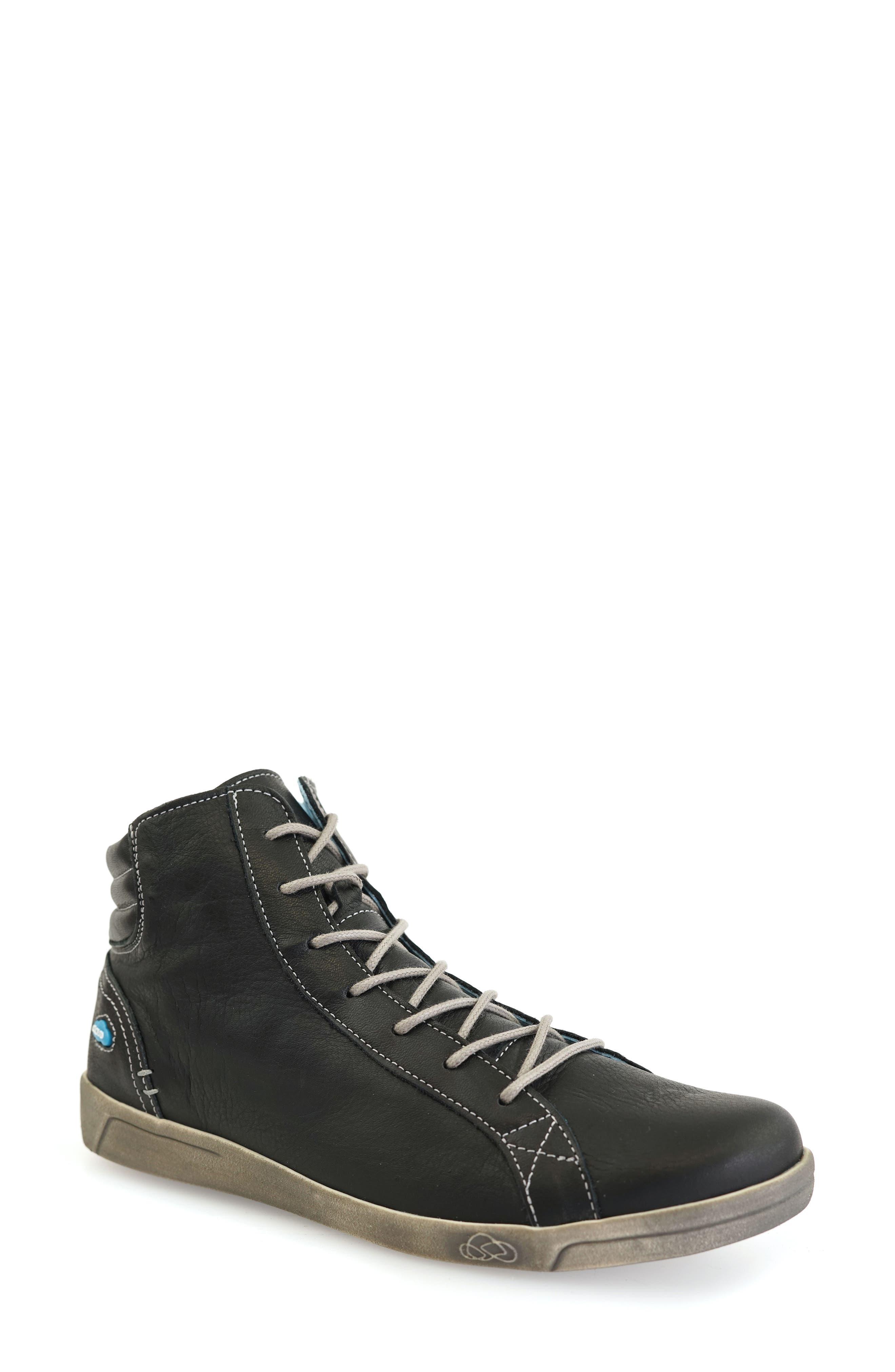 Aima High Top Sneaker