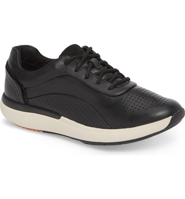 CLARKS<SUP>®</SUP> Un Cruise Lace-Up Sneaker, Main, color, 003