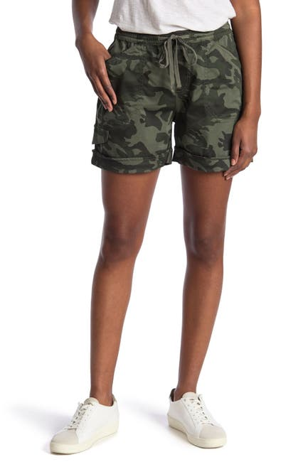 """Image of SUPPLIES BY UNIONBAY Noreen 5"""" Camo Print Shorts"""