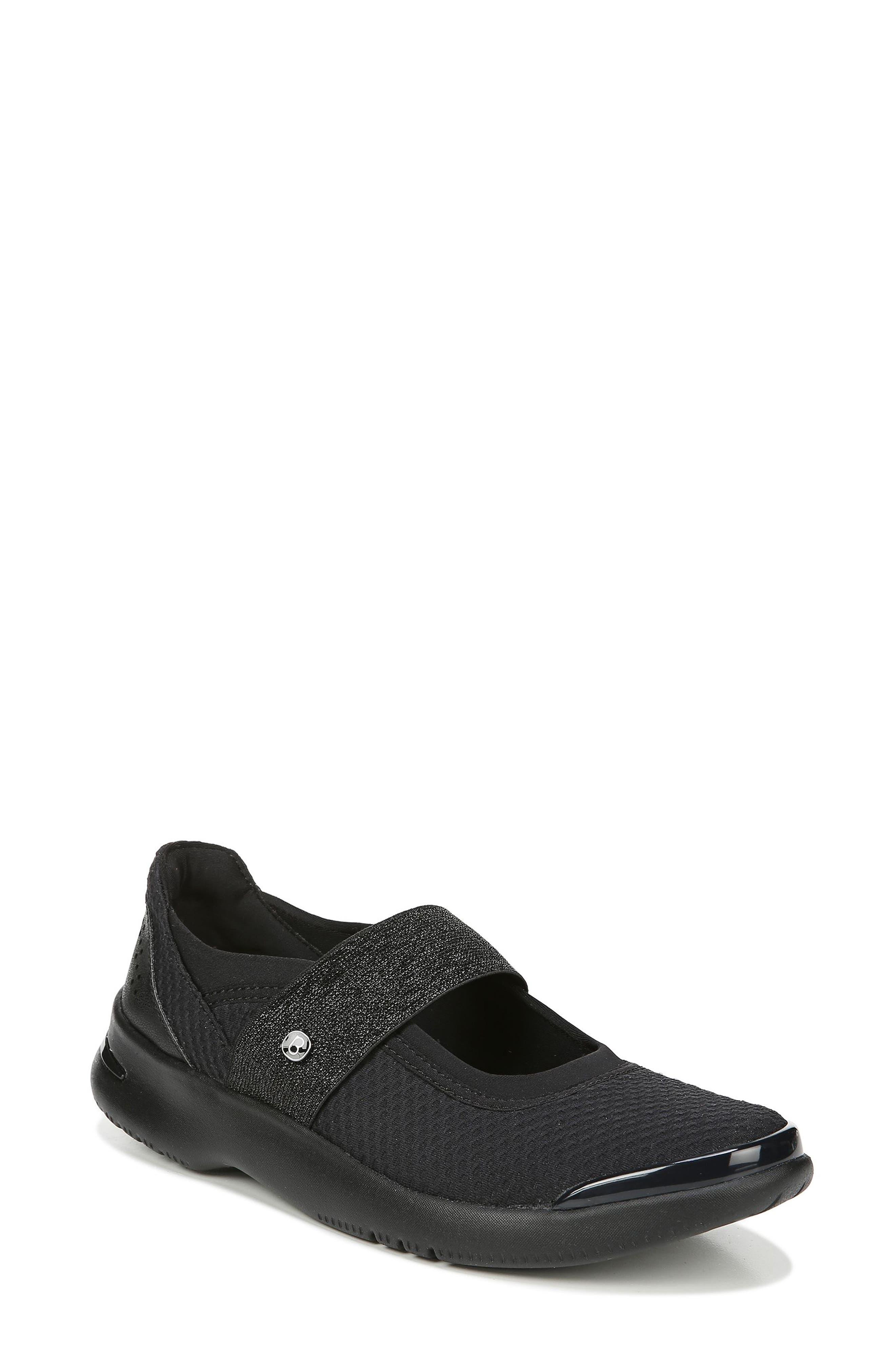 Bzees Athena Sneaker, Black