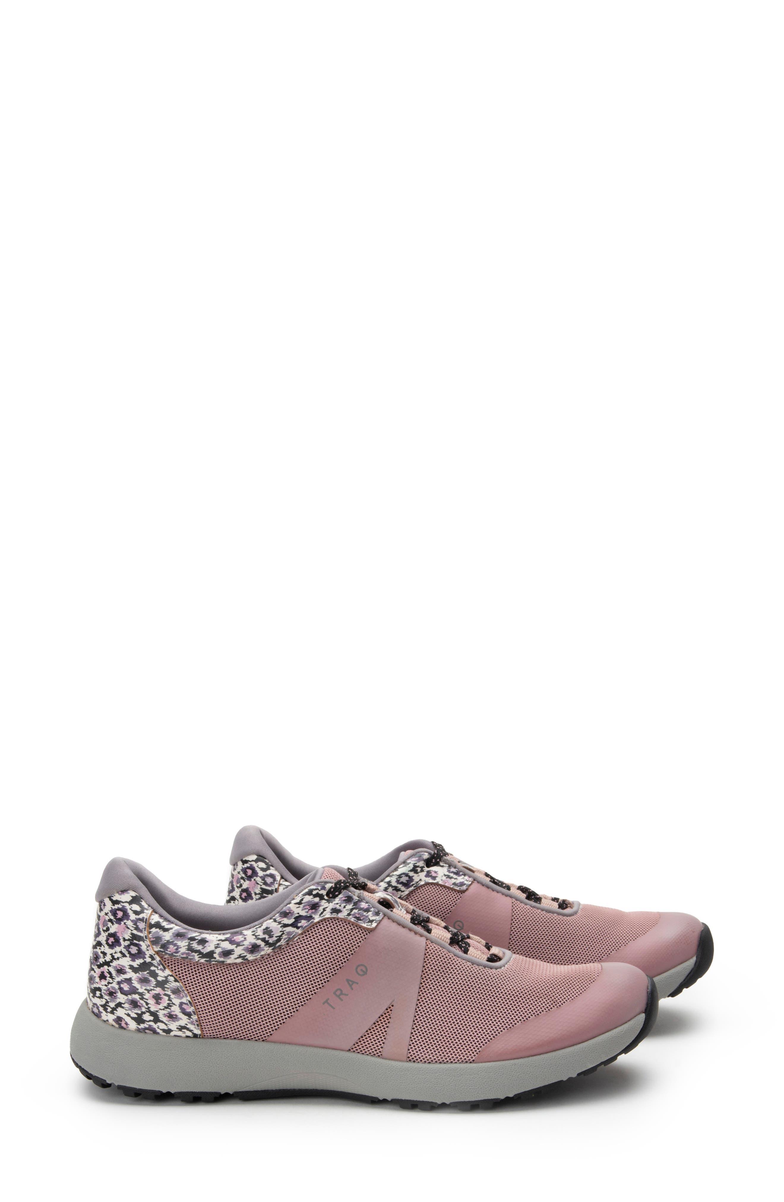 Women's Traq By Alegria Intent Sneaker