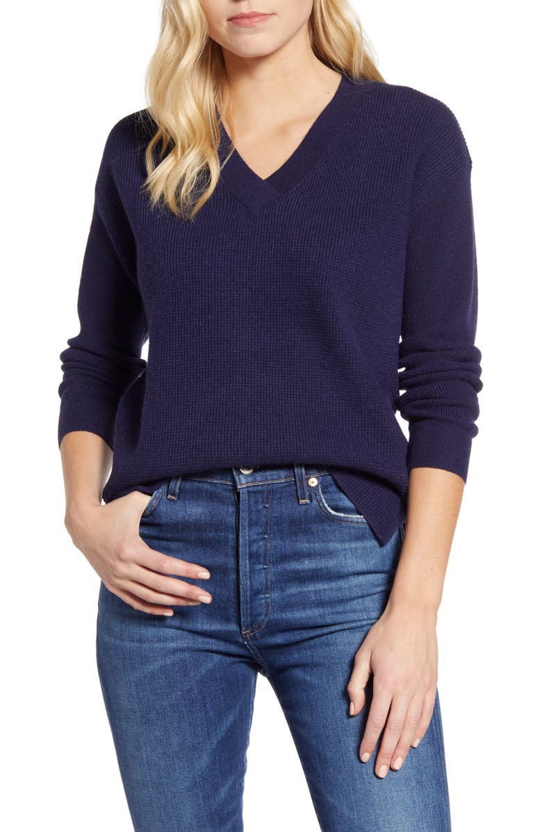CASLON<SUP>®</SUP> Waffle Stitch V-Neck Sweater, Main, color, 401
