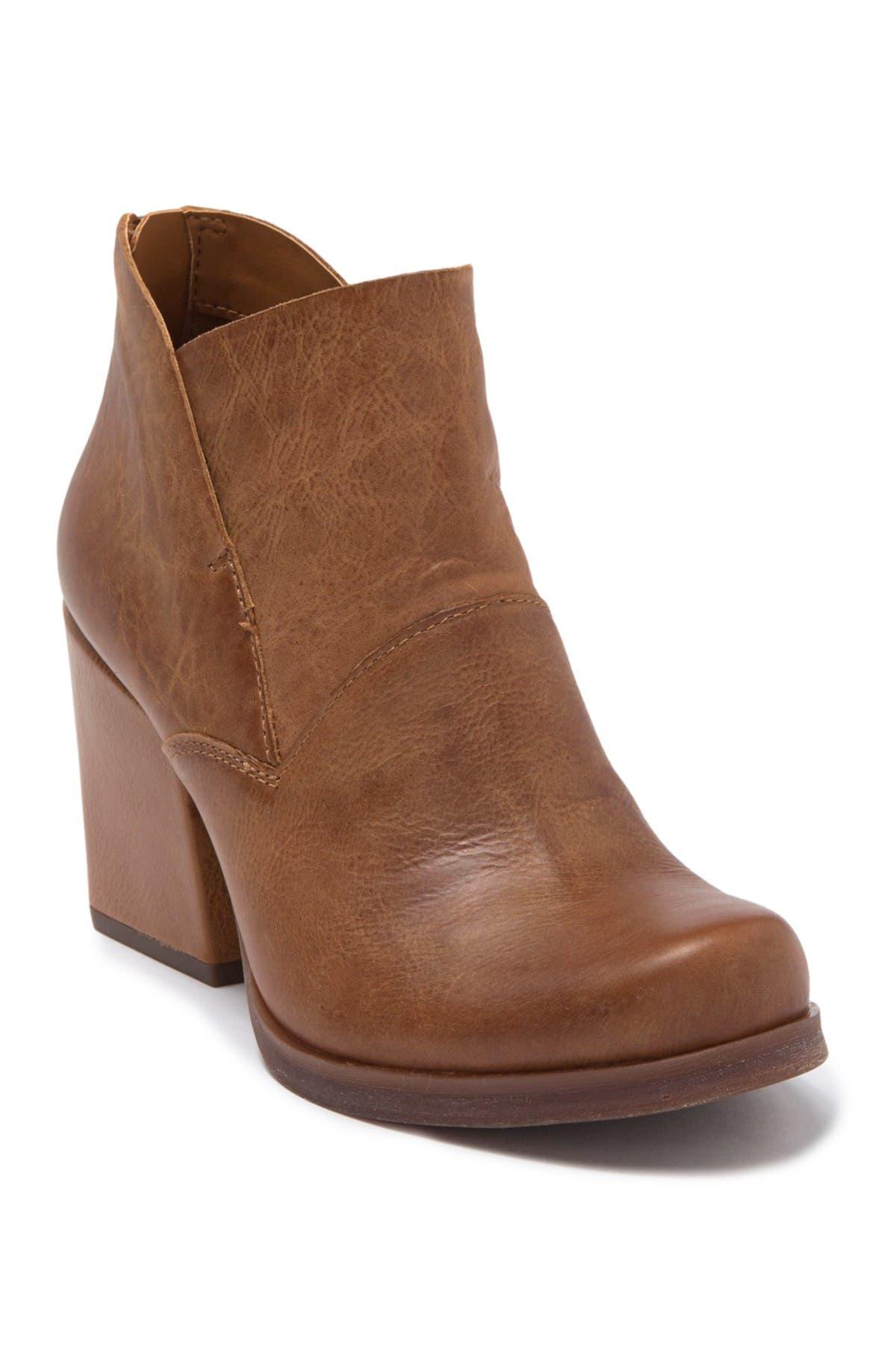 KORKS | Dyoma Block Heel Boot