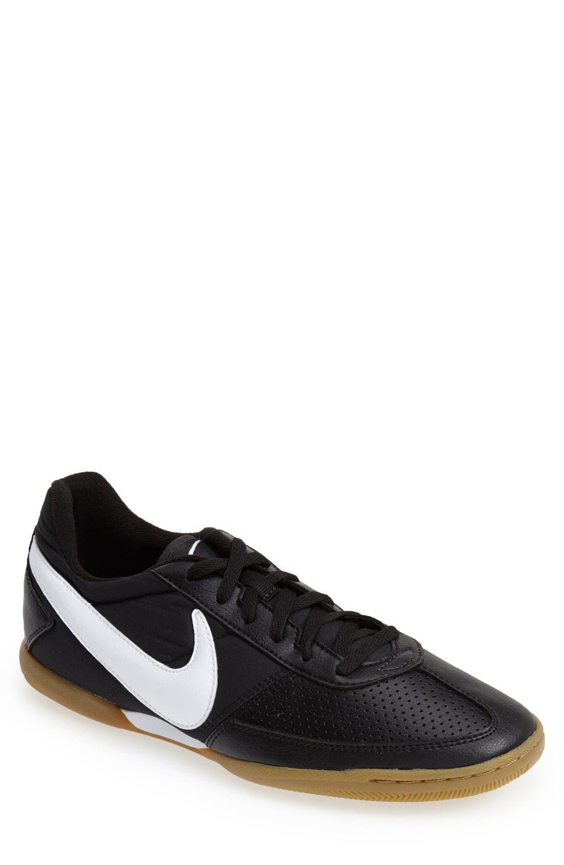 Nike 'Davinho' Indoor Soccer Shoe (Men