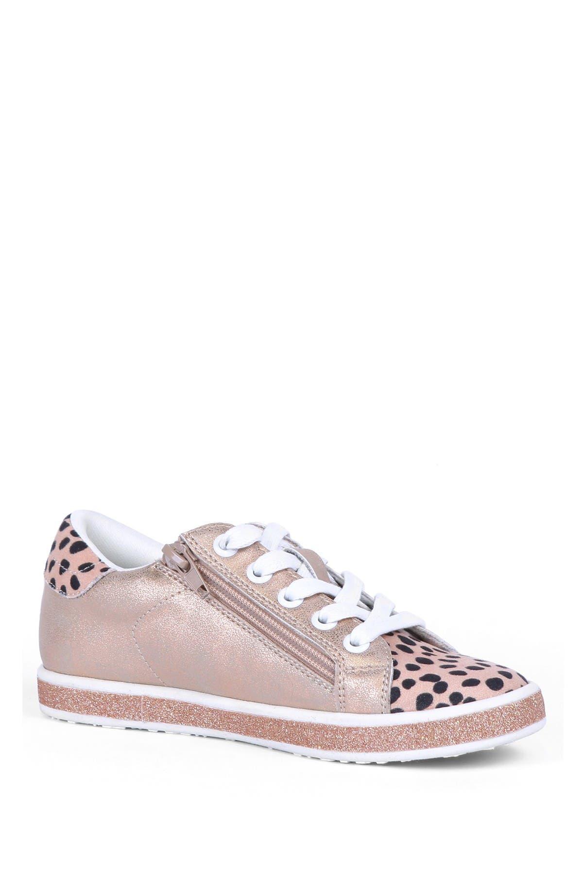 Image of DV DOLCE VITA Low Top Zip Sneaker