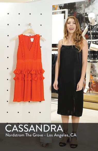 Love Ruffle Dress, sales video thumbnail