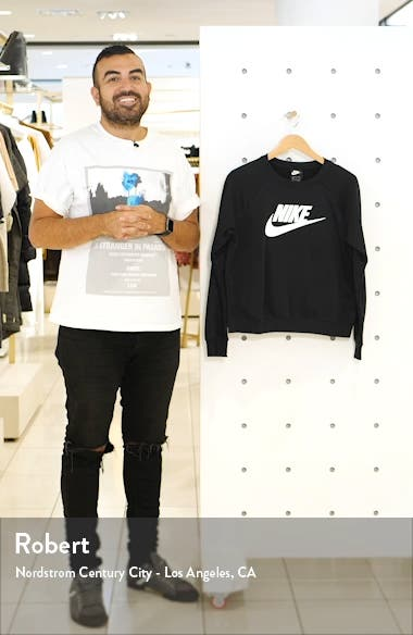 Sportswear Essential Fleece Sweatshirt, sales video thumbnail