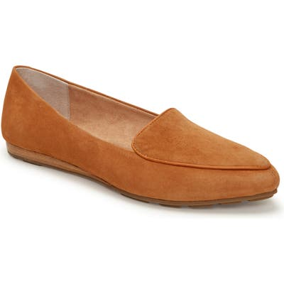 Me Too Anissa Pointy Toe Loafer, Brown