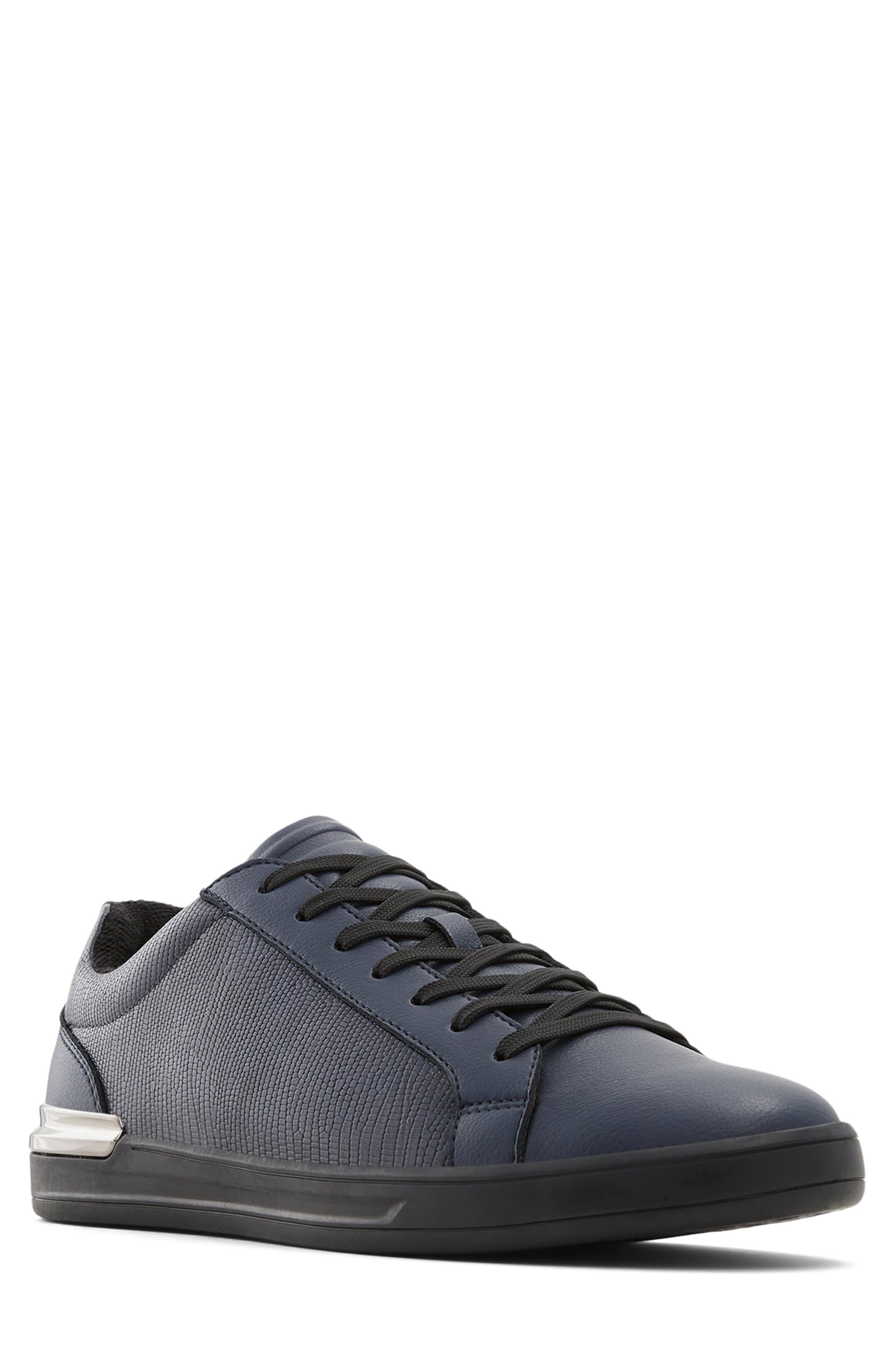 Karloz Sneaker