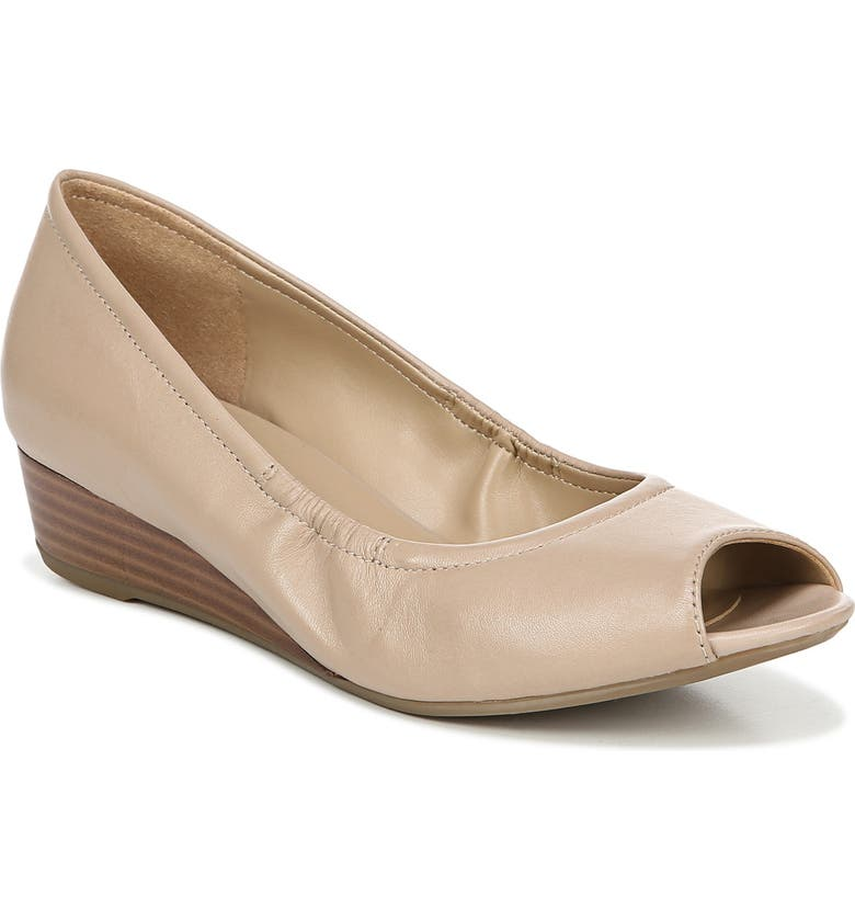 NATURALIZER Copper Wedge Pump, Main, color, BEIGE LEATHER