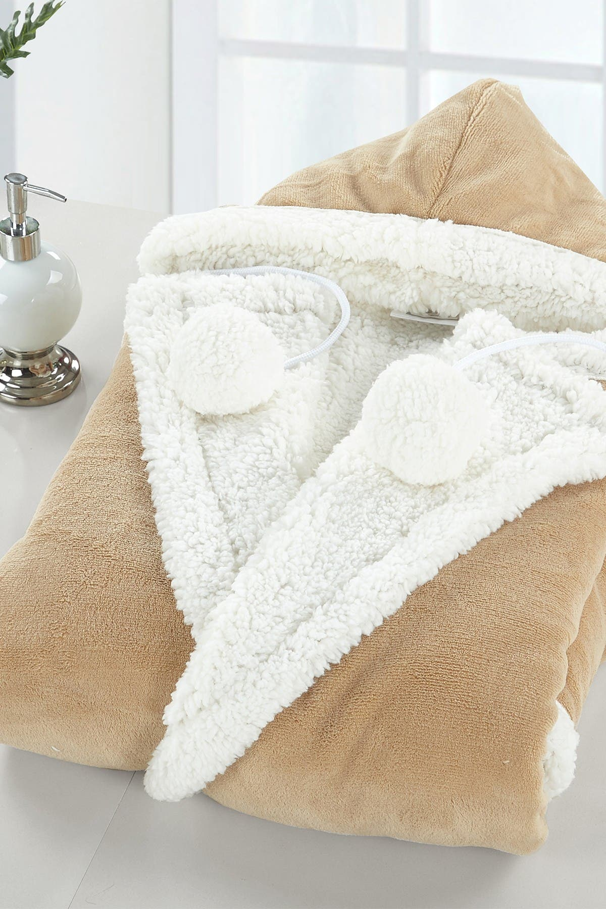 Image of Chic Home Bedding Yatco Faux Shearling Lined Snuggle Hoodie - Camel