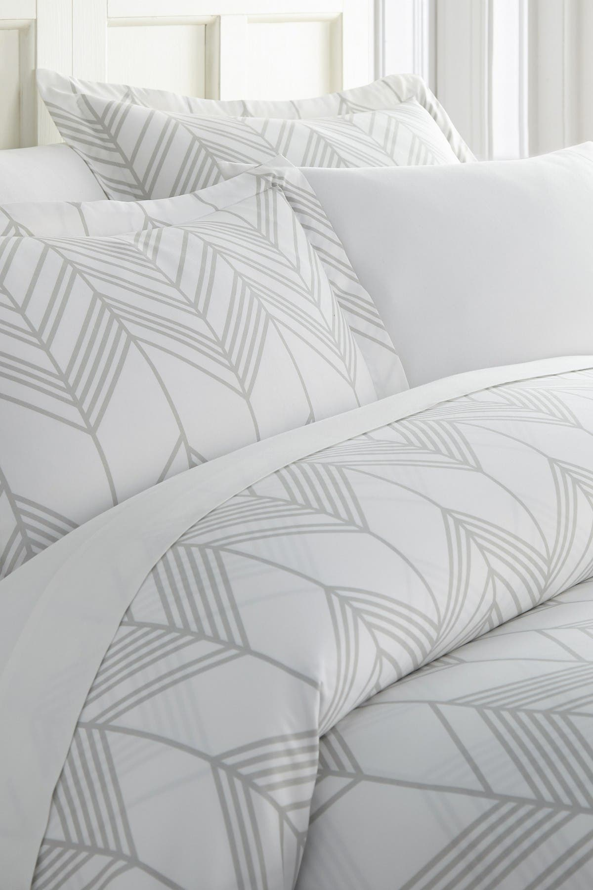 Image of IENJOY HOME Enhance And Improve Your Bedroom 3-Piece Duvet Cover Set - Light Gray - Queen