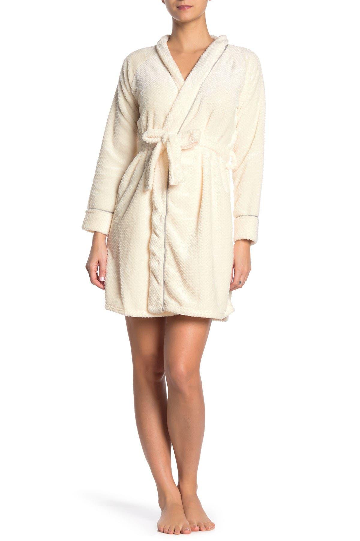 Image of Tahari Honeycomb Plush Robe