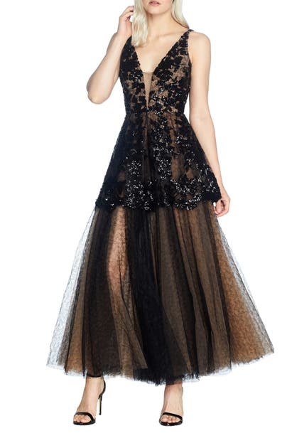 Dress The Population FAE FIT & FLARE GOWN