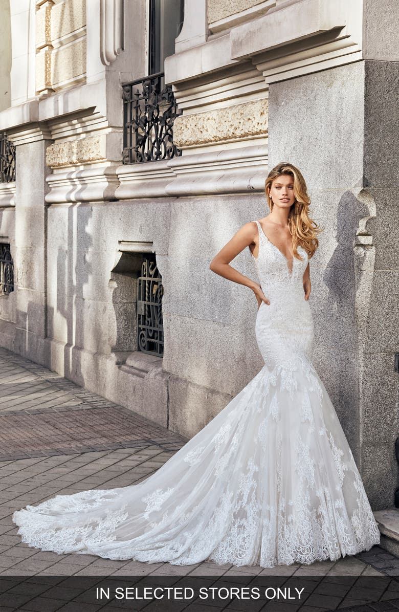 AIRE BARCELONA Nikki Lace Mermaid Wedding Dress, Main, color, NATURAL