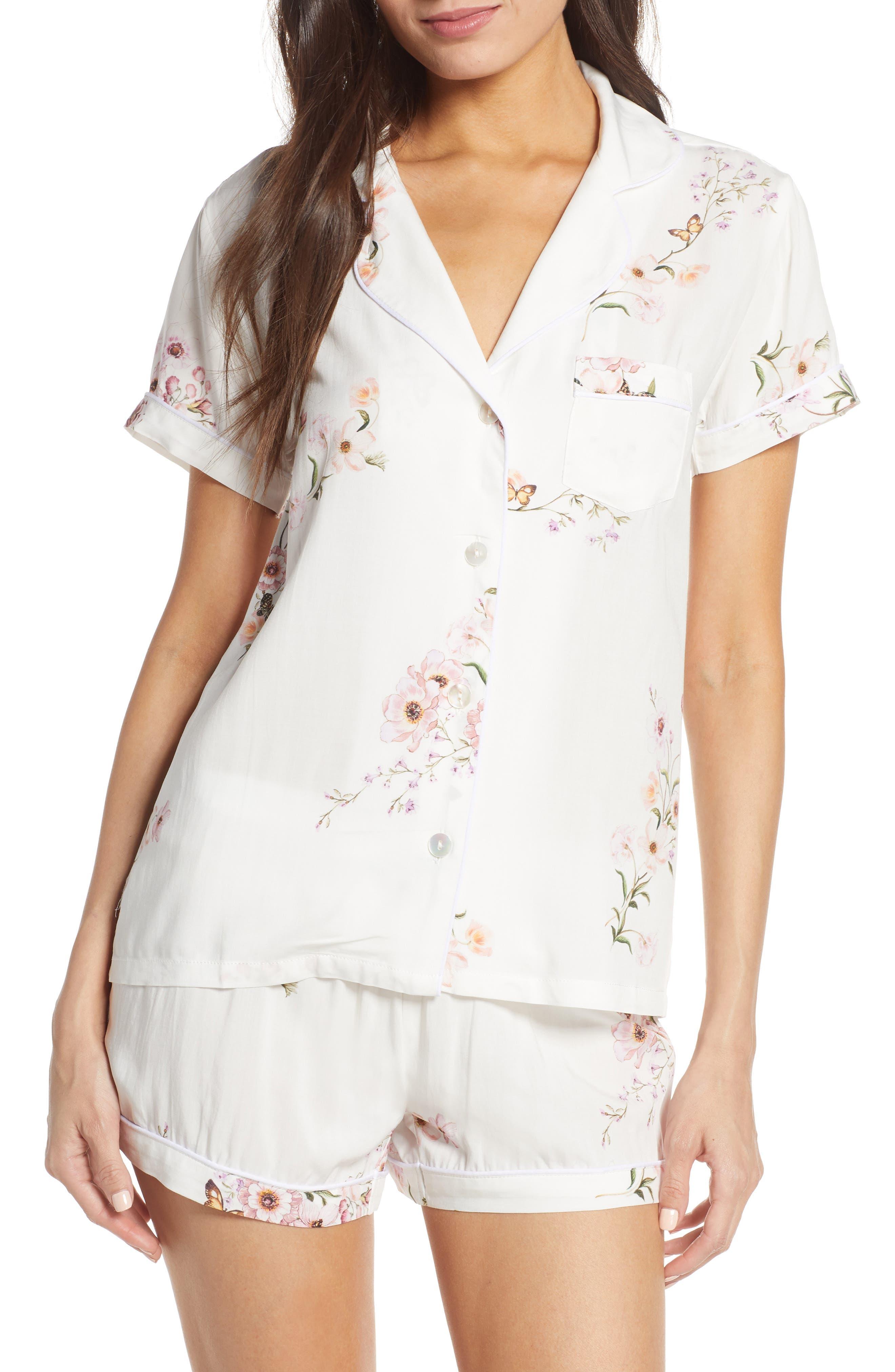 Plum Pretty Sugar Classic Short Pajamas, White