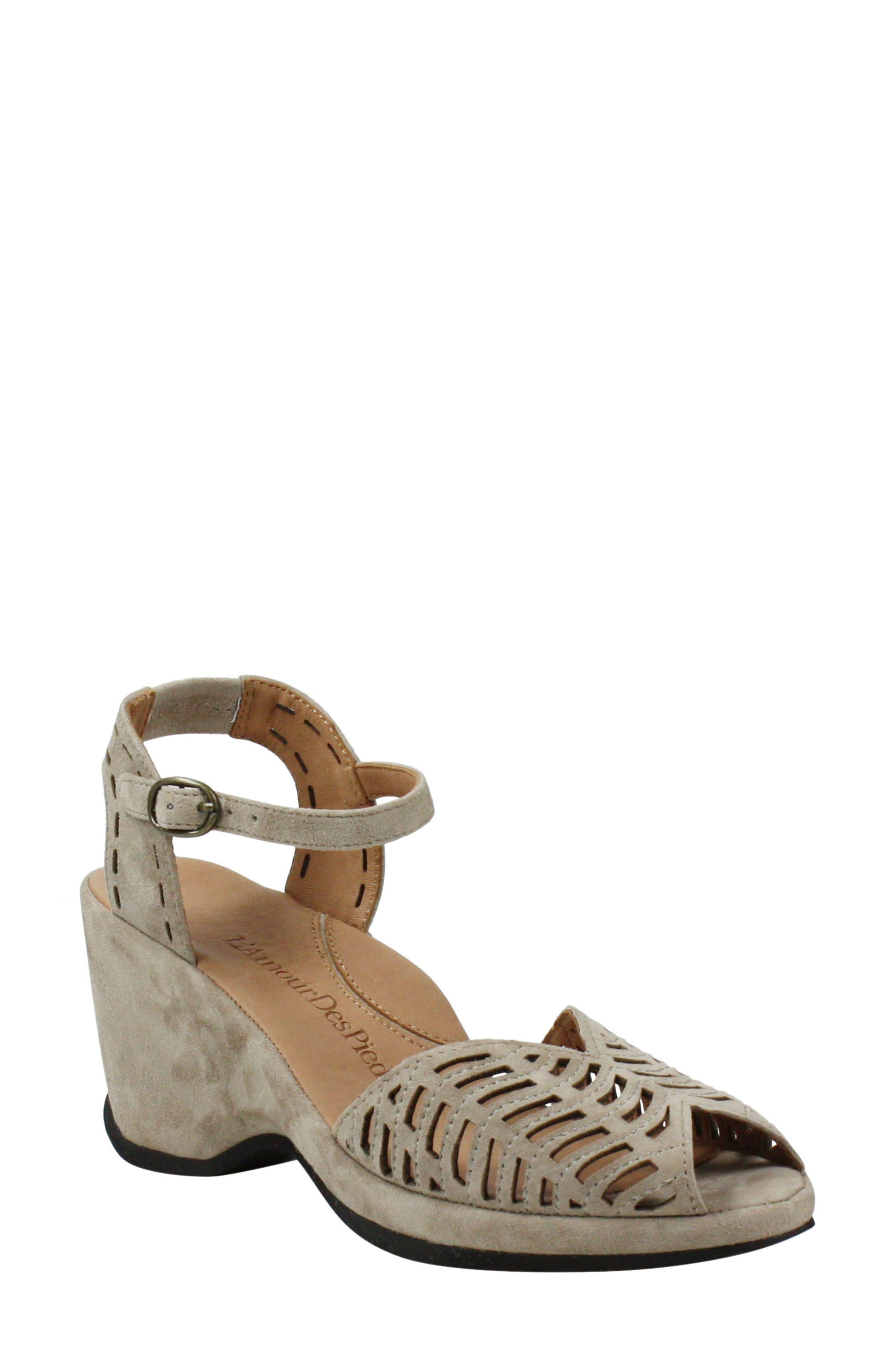Oanez Wedge Sandal