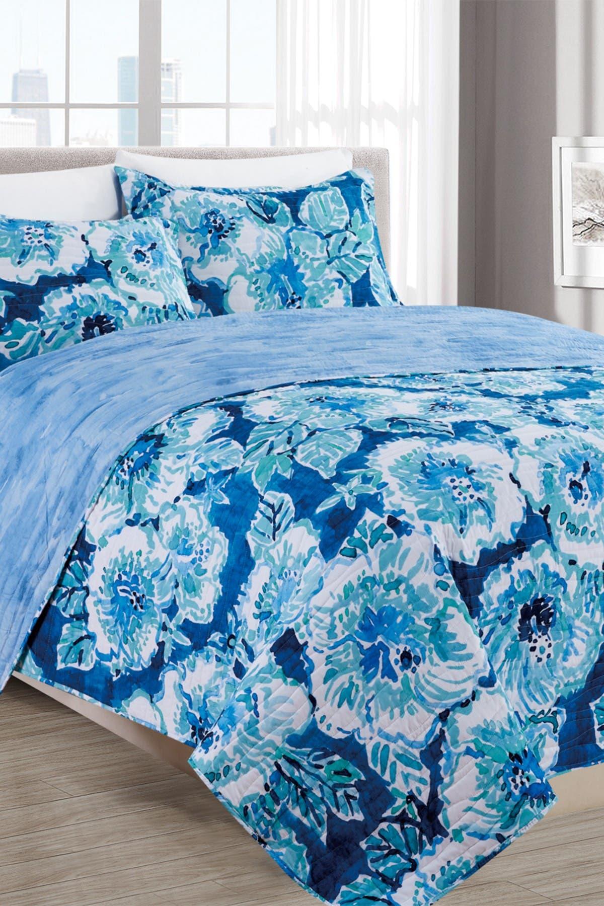 Image of Melange Home Hibiscus Bounty Quilt 3-Piece Set - Full/Queen
