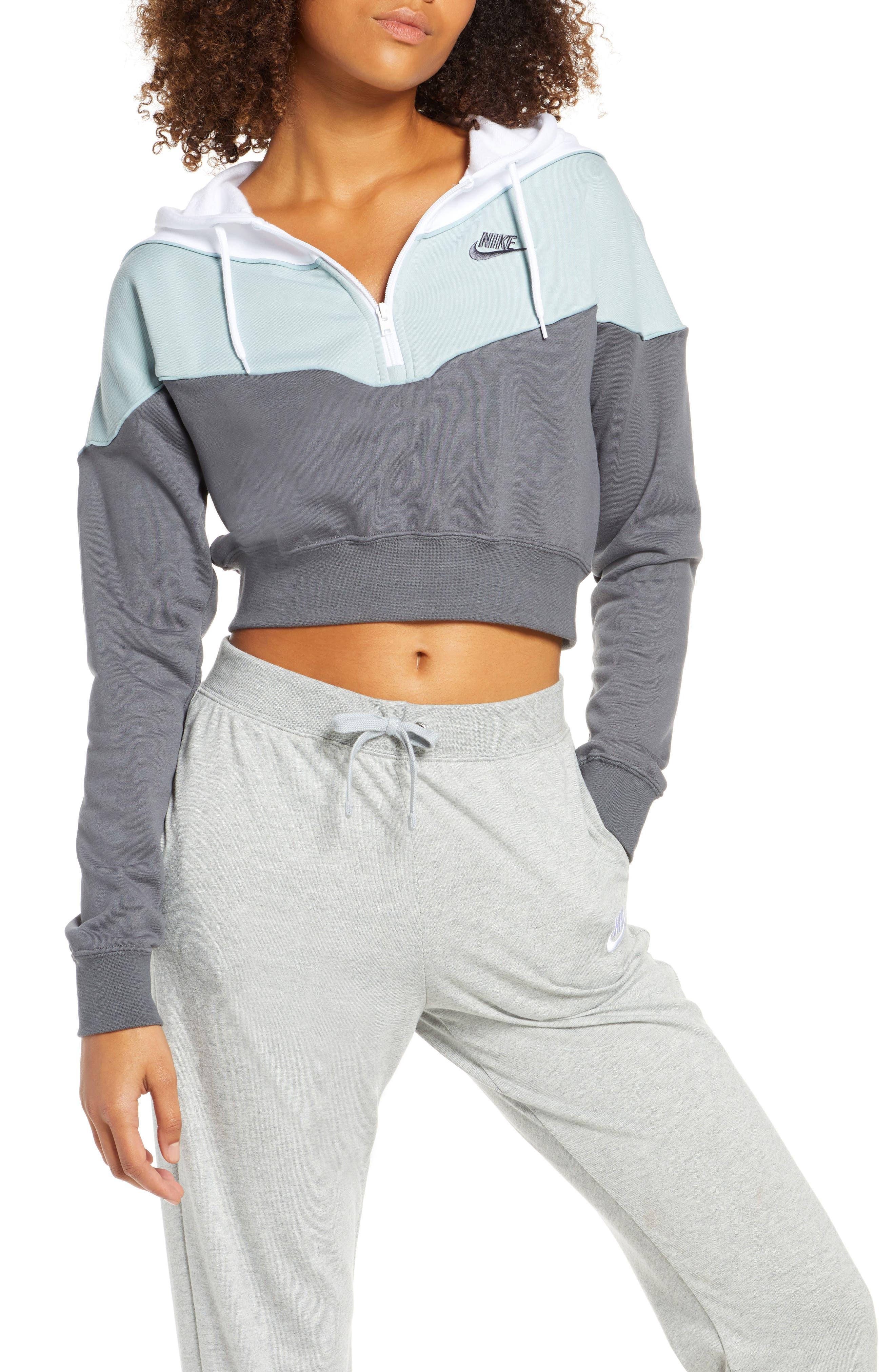 Nike Sportswear Heritage Crop Hoodie