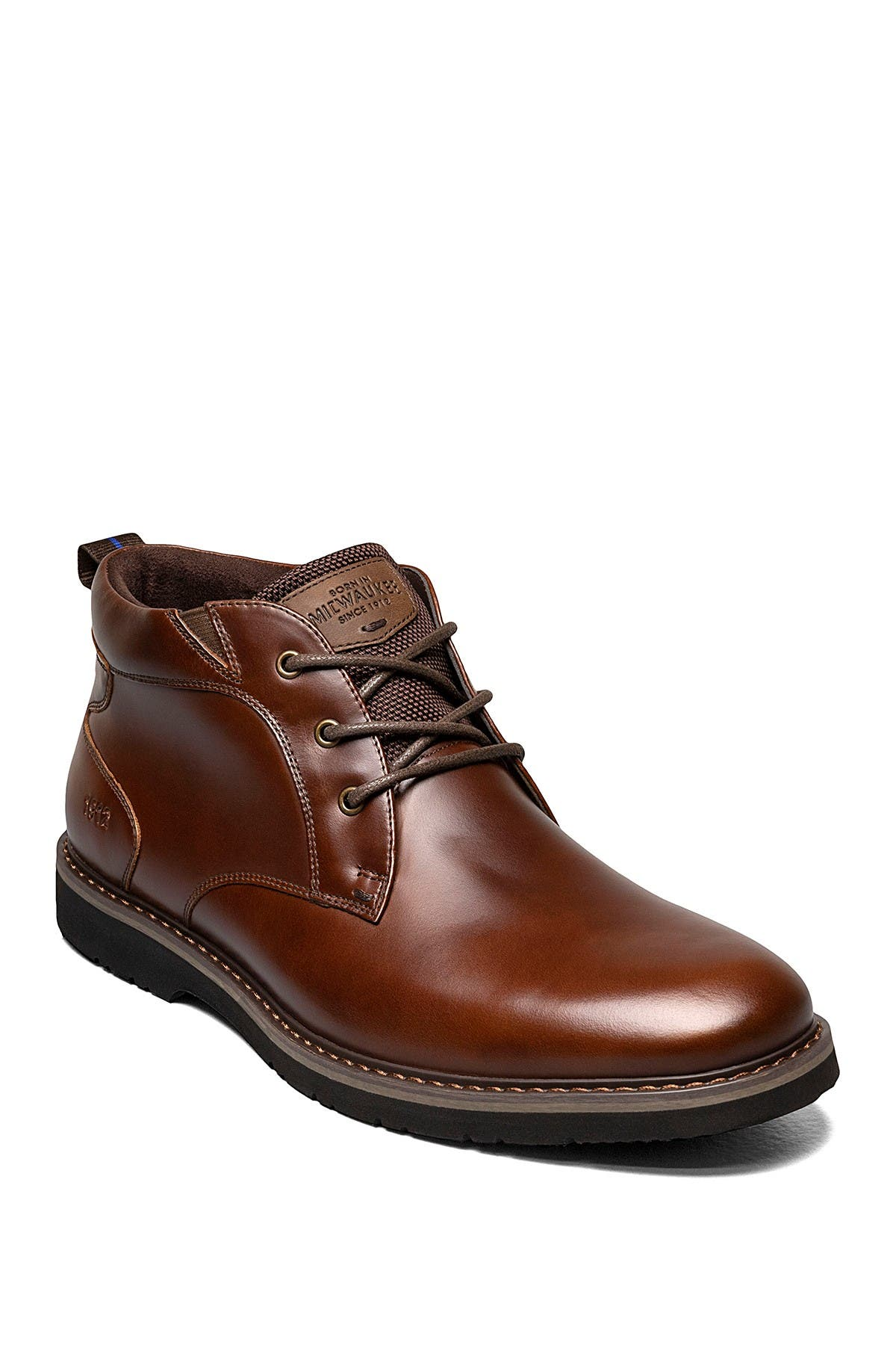 Image of NUNN BUSH Denali Waterproof Leather Plain Toe Chukka Boot - Wide Width Available
