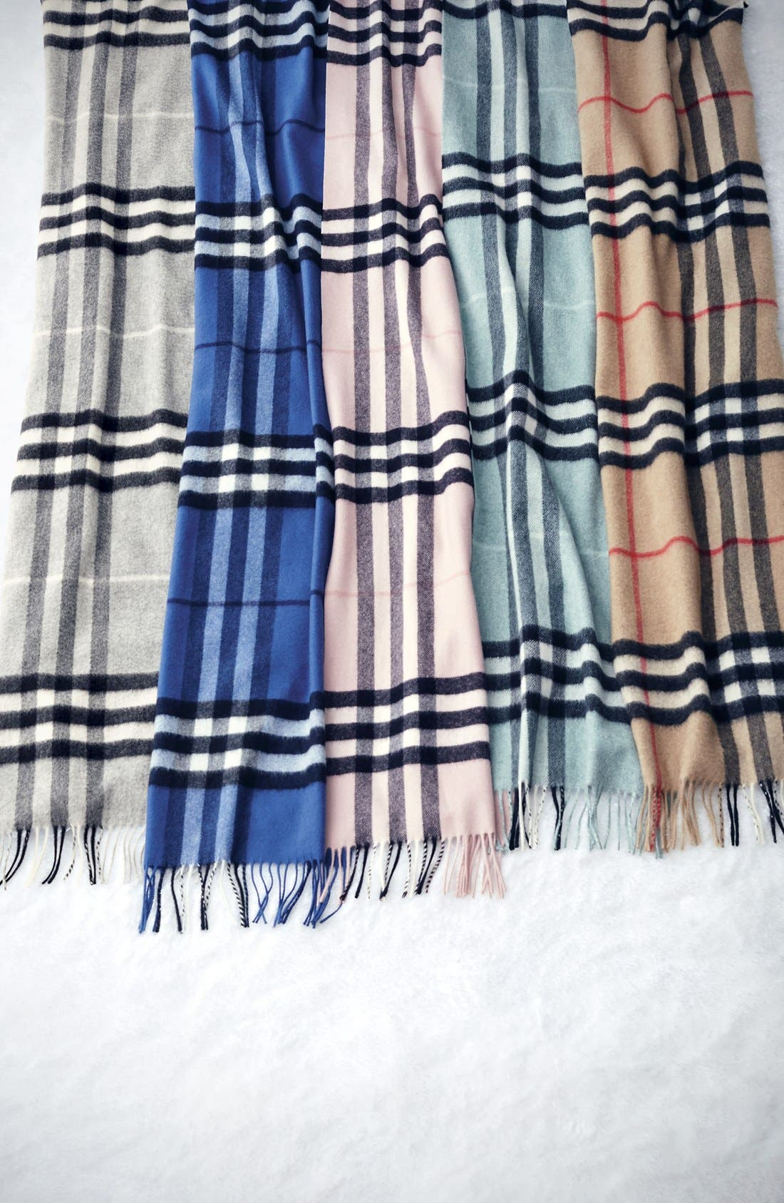 ,                             Heritage Giant Check Fringed Cashmere Muffler,                             Alternate thumbnail 4, color,                             PALE GREY