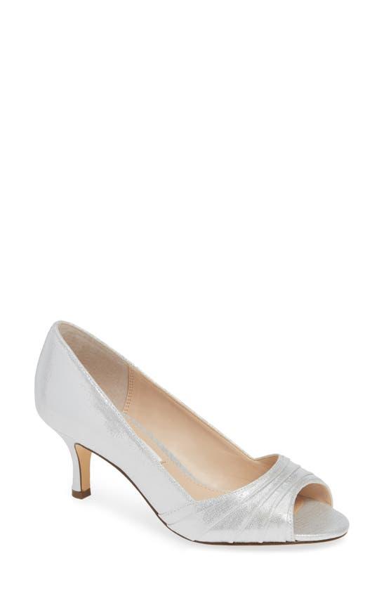 Nina Chezare Evening Pumps Women's Shoes In Silver Metallic Fabric