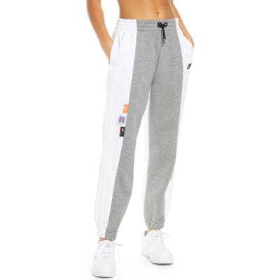 Nike Sportswear Icon Clash Sweatpants