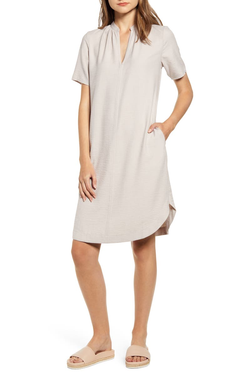 THE ODELLS Split Neck Shift Dress