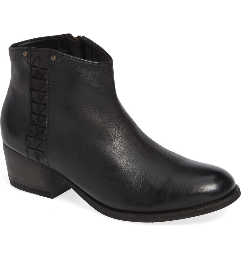 CLARKS<SUP>®</SUP> Maypearl Fawn Bootie, Main, color, BLACK LEATHER