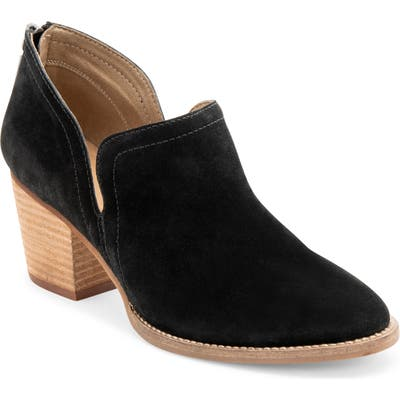 Blondo Nelson Waterproof Ankle Boot- Black