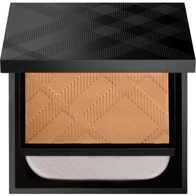 Burberry Beauty Matte Glow Compact Foundation - 60 Medium Warm