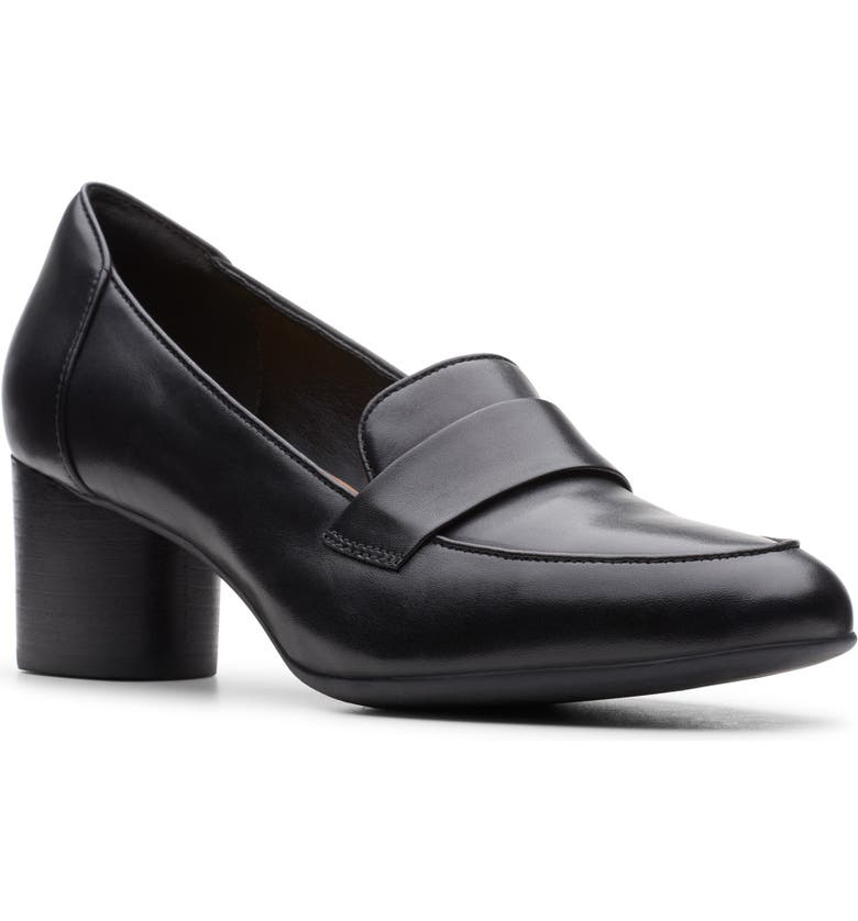 CLARKS<SUP>®</SUP> Un Cosmo Step Pump, Main, color, 001