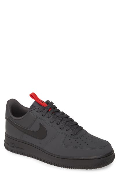 Air Force 1 '07 Wr Sneaker In Anthracite Black Red