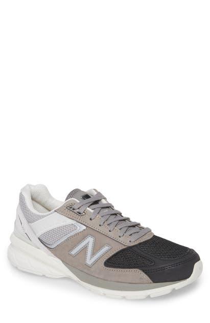 New Balance 990V4 Premium Running Shoe In Black/Black/Black