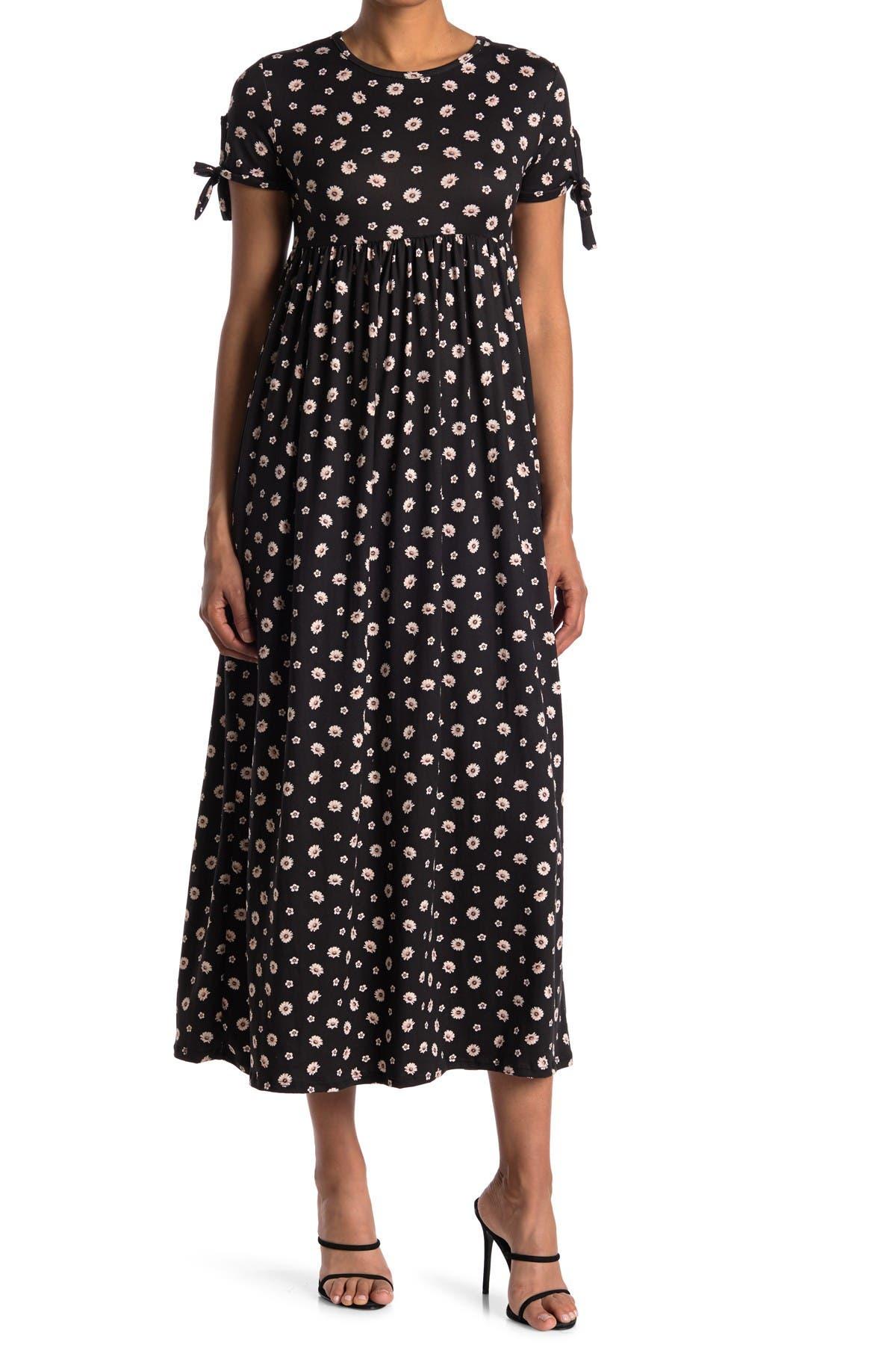 Image of Velvet Torch Tie Sleeve Maxi Dress