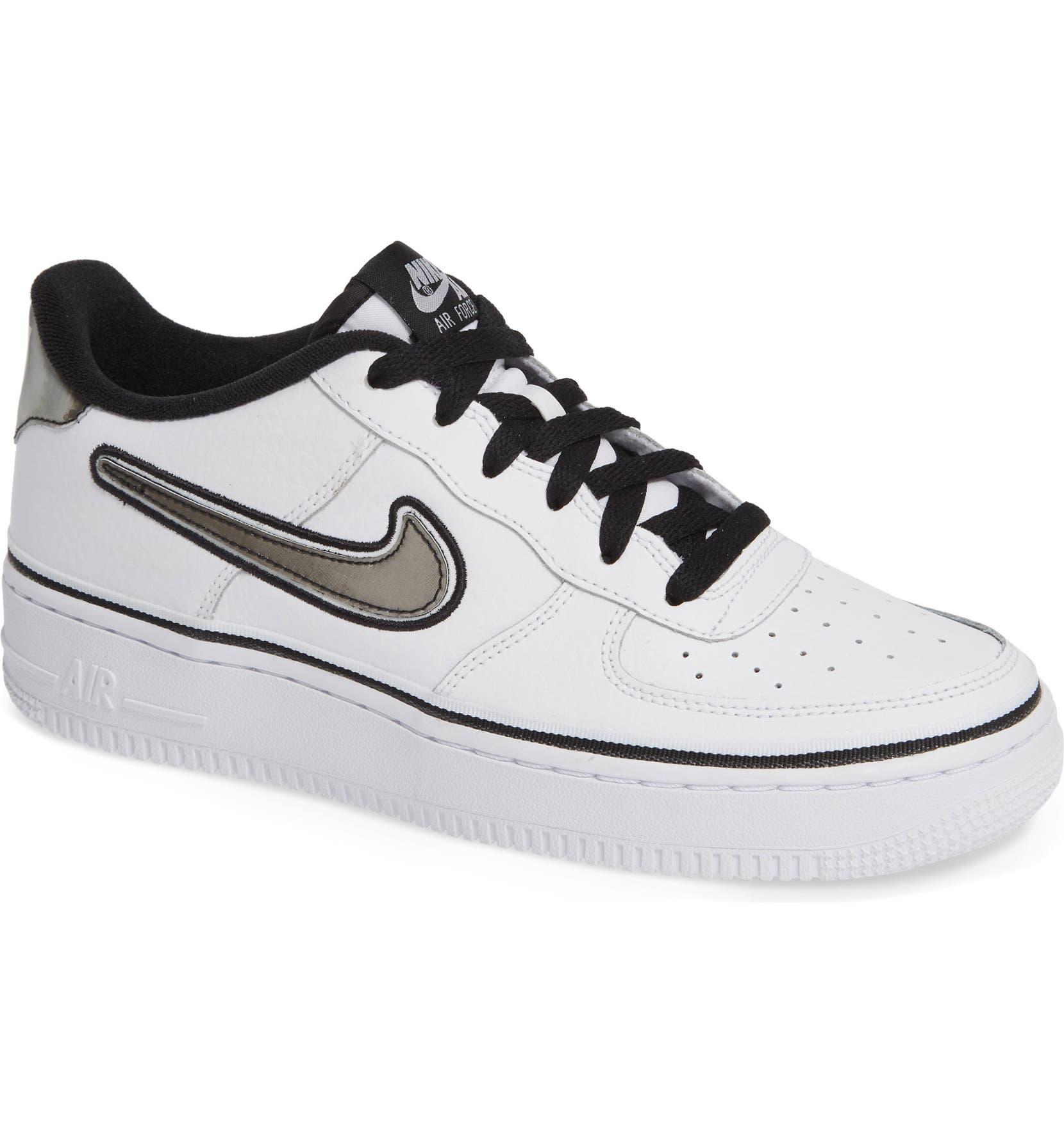Nike Air Force 1 LV8 2 Older Kids' Shoe. Nike ID