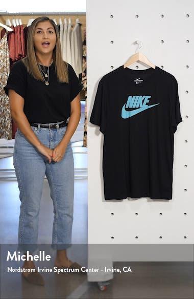Sportswear Icon Futura T-Shirt, sales video thumbnail