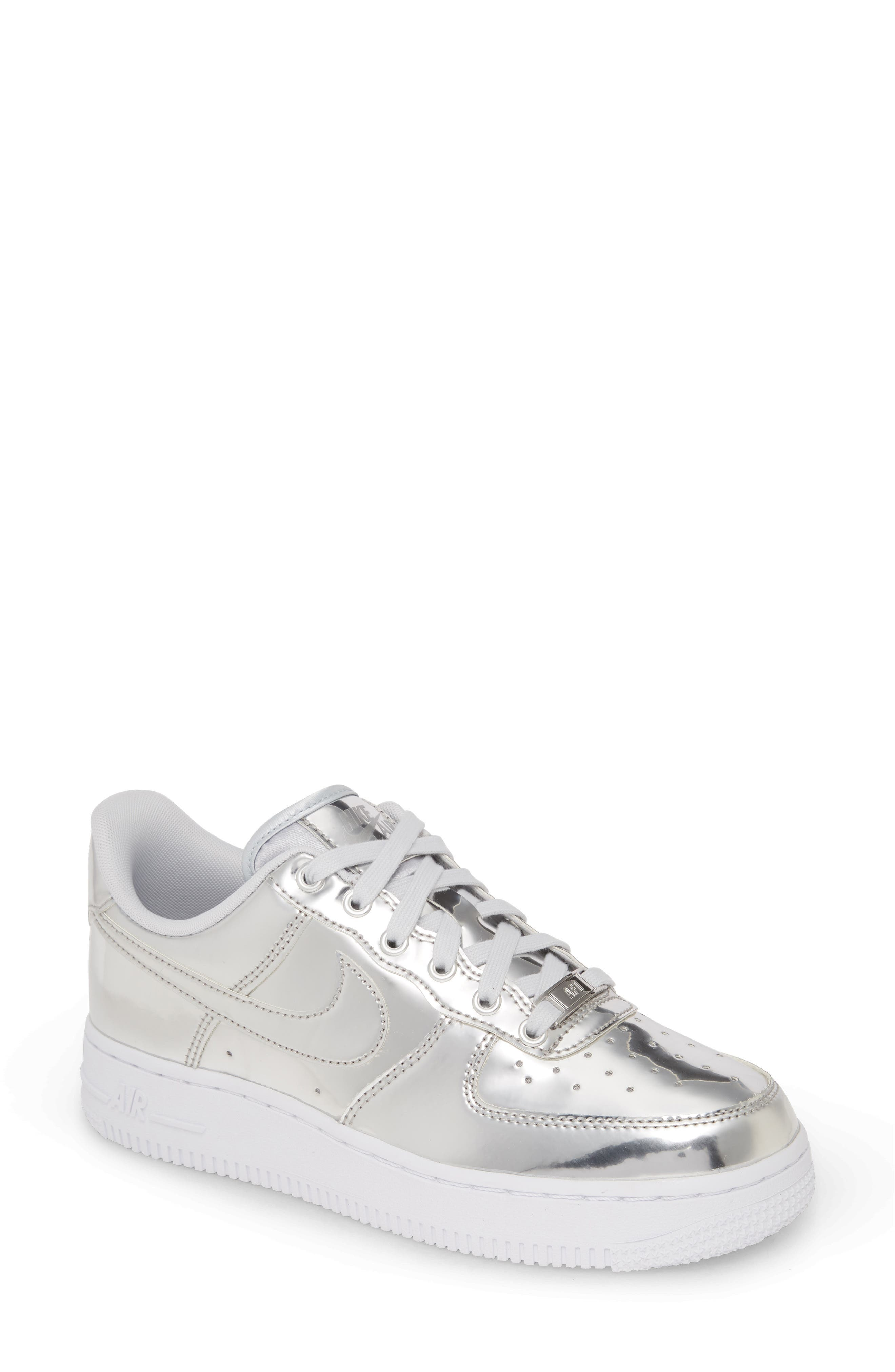 Scarpa Nike Air Force 1'07 Essential Donna Silver from Nike on 21 Buttons